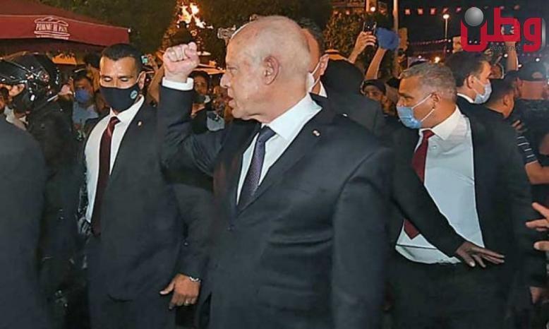 قيس سعيد يعلن التزامه بالشرعية والحريات في اتصال بوزير الخارجية الأمريكي