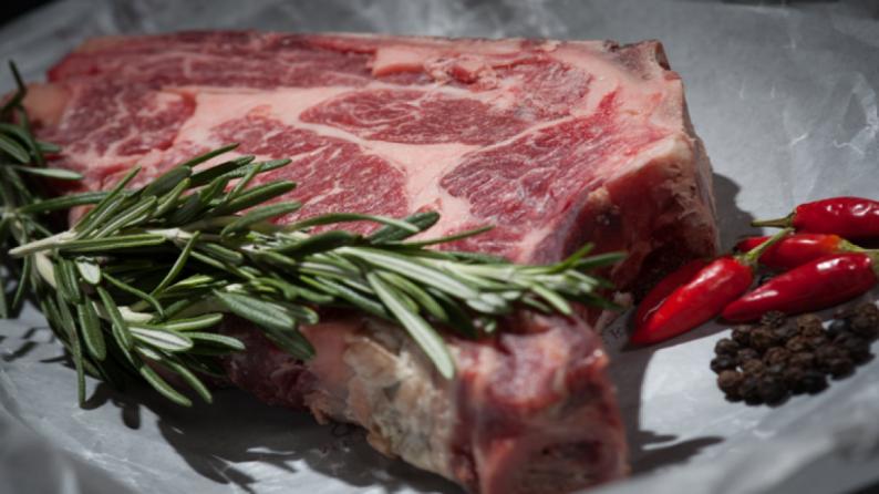 دراسة تحذر من خطر صحي ناجم تناول اللحوم الحمراء والمعالجة!