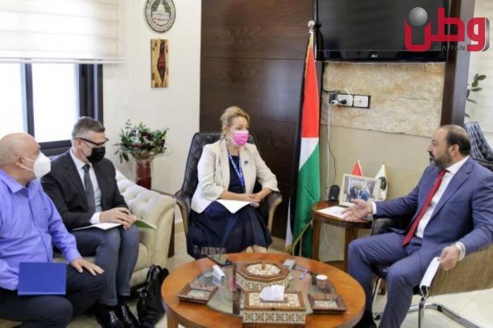 النائب العام المستشار أكرم الخطيب يبحث التعاون المشترك مع رئيس بعثة الشرطة الأوروبية لدى فلسطين
