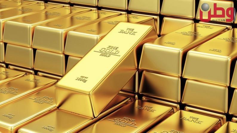 أسعار الذهب تصعد مدعومة بضعف الدولار