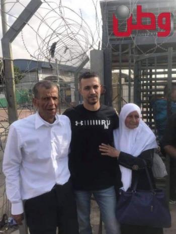 بعد 19 عاماً.. الاحتلال يفرج عن الأسير شادي وشاحي من مثلث الشهداء جنوب جنين