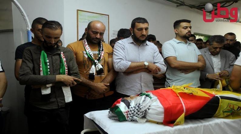 المئات يشيعون جثمان الطفل الشهيد محمد العلامي