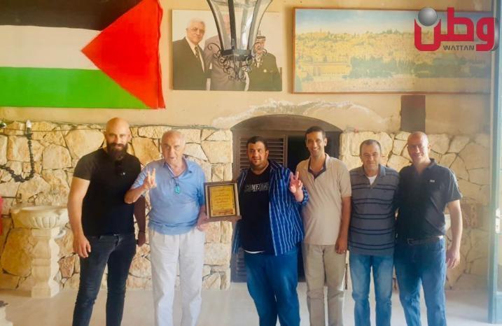 نادي السواحرة الشرقية يكرم منيب رشيد المصري