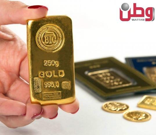 الذهب يرتفع مستفيداً من انخفاض الدولار