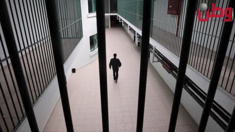 إصابة اسير بفايروس كورونا في سجن عوفر وعزل 18 اخرين في قسم الأسرى المصابين