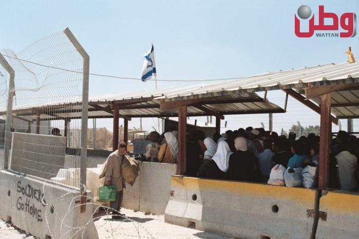 الاحتلال يعتزم إصدار 150 ألف تصريح دخول للأراضي المحتلة للصلاة والزيارات العائلية