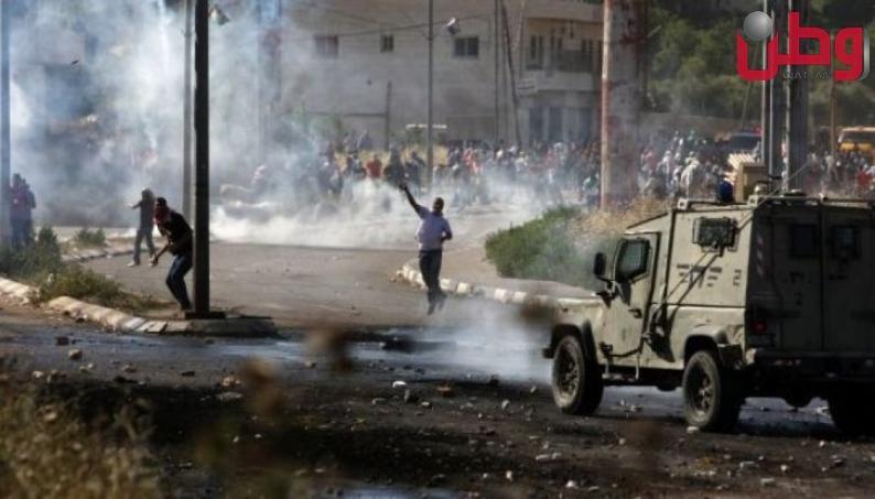إصابات بالاختناق خلال مواجهات مع الاحتلال في بيت أمر شمال الخليل