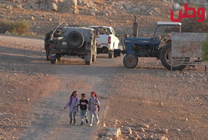 الاحتلال يفتش خيام المواطنين في الأغوار الشمالية
