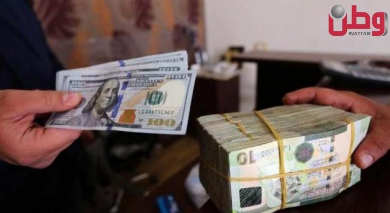 سلطة النقد تدخل نقوداً ورقية بعملتي الدينار والدولار الى قطاع غزة