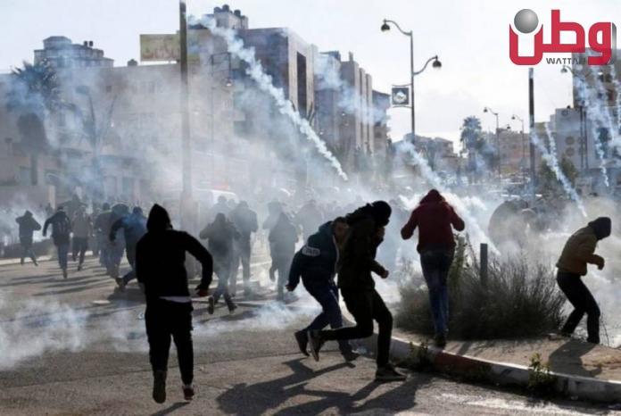 عشرات حالات الاختناق خلال اقتحام الاحتلال دوما جنوب نابلس
