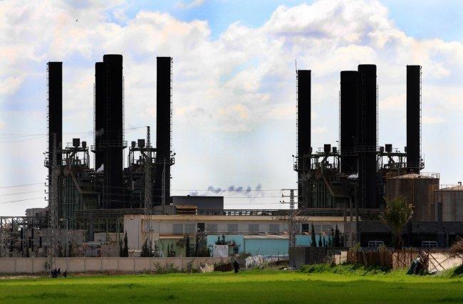 ازمة الكهرباء في غزة على طاولة الحكومة والعجز يصل لـ 450 ميجا واط -