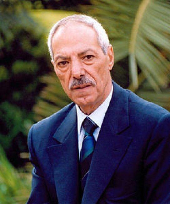 عرب الثروة يقتلون عرب الثورة -