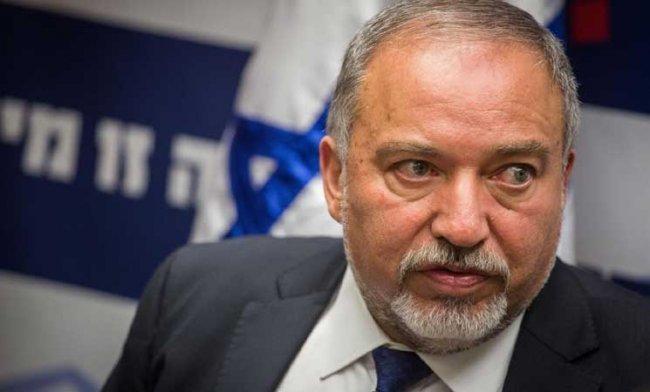 ليبرمان يتهم حماس بالمشاركة في تفجير عبوة قرب حدود غزة -
