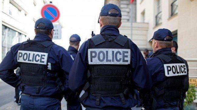 مقتل شرطي والمهاجم في حادث إطلاق نار في باريس