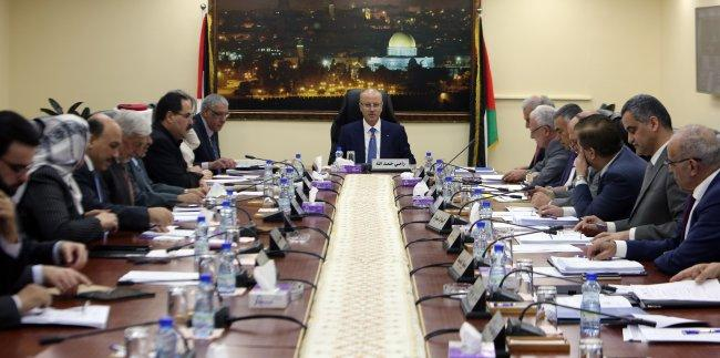 الحكومة: على حماس تسليم غزة دفعة واحدة حتى نتولى مسؤولياتنا كاملة -